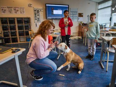 Bergseveldschool juf nathalie en hond bex