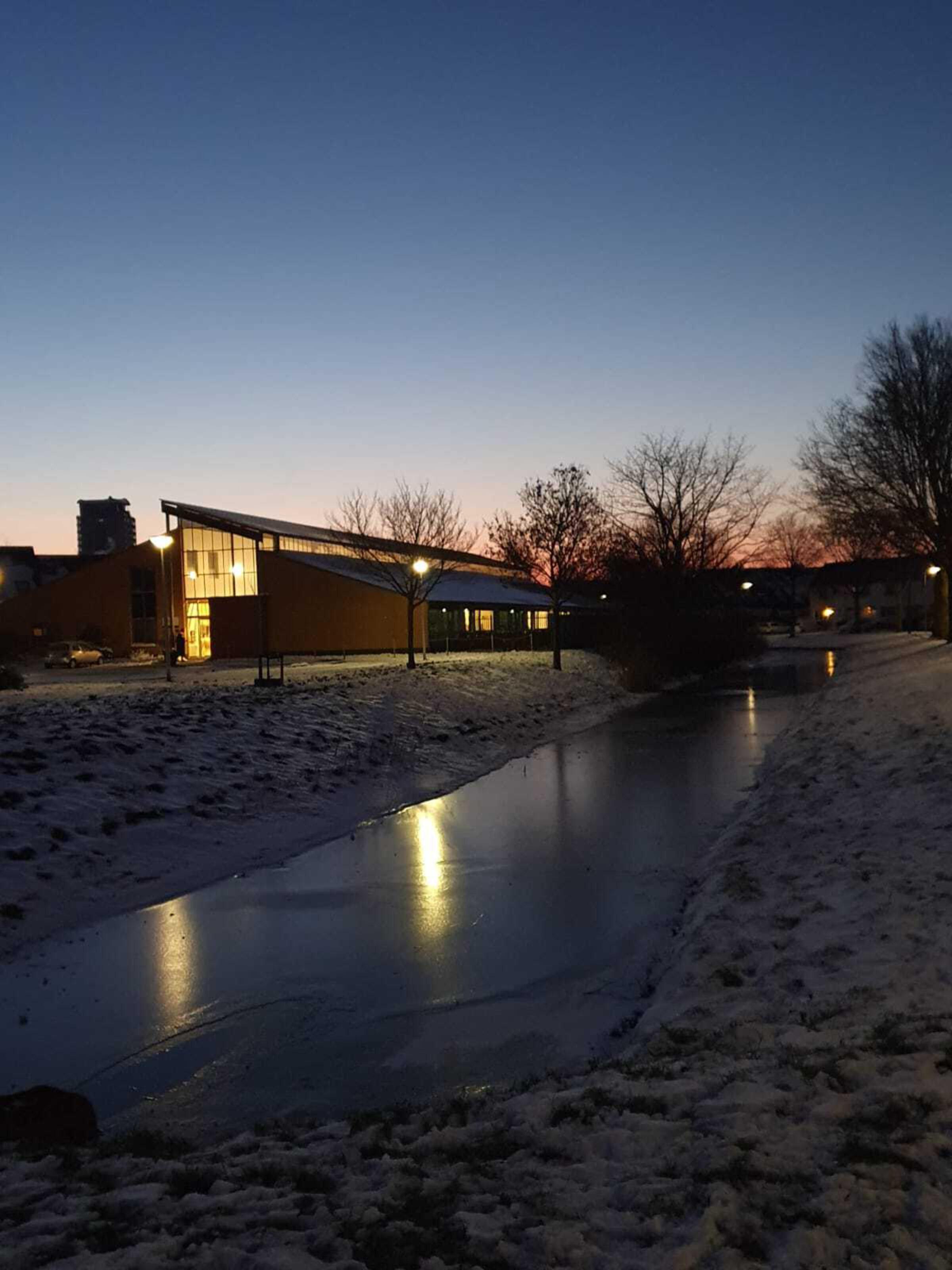 Sneeuwfoto in het donker